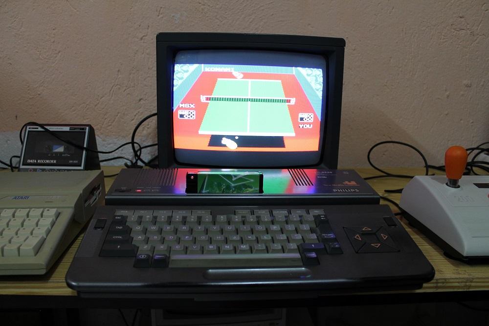 Intentando jugar al ping pong
