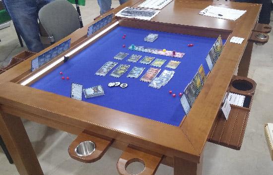 Por 1000€ de nada esta mesa es el regalo perfecto para cualquier aficionado