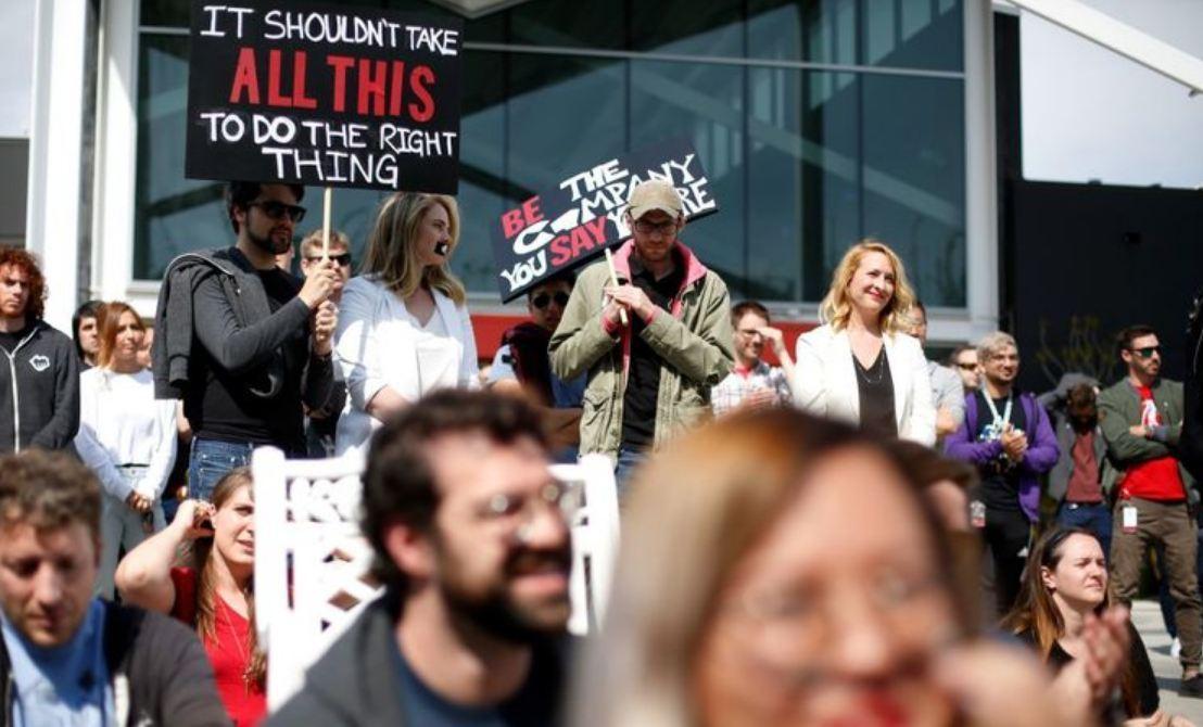 Empleados de Riot Games  participaron de huelga en protesta